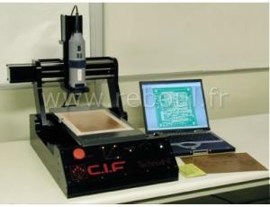 Fraiseuse pour circuit imprimé