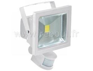 Spot exterieur led avec detecteur best projecteur led for Spot exterieur led avec detecteur
